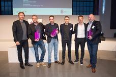 Gewinner Best Brand und Audience Award: Fabian Frese (Kolle Rebbe), Torsten Hennings (Studio Funk), Björn Kaas (ad.quater), Tom Krause (ad.quarter), Alexander Bommes, Ulrich Beuth (Flensburger Brauerei)